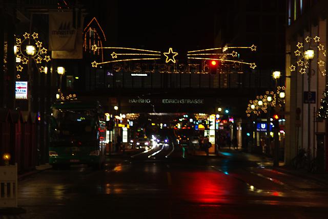 IMGP2172_xmas-city-lights-friedrichstrasse