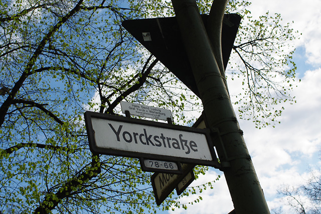 IMGP3404_yorkstrasse-schild