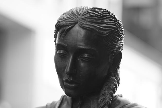 IMGP3904_statue-zuege