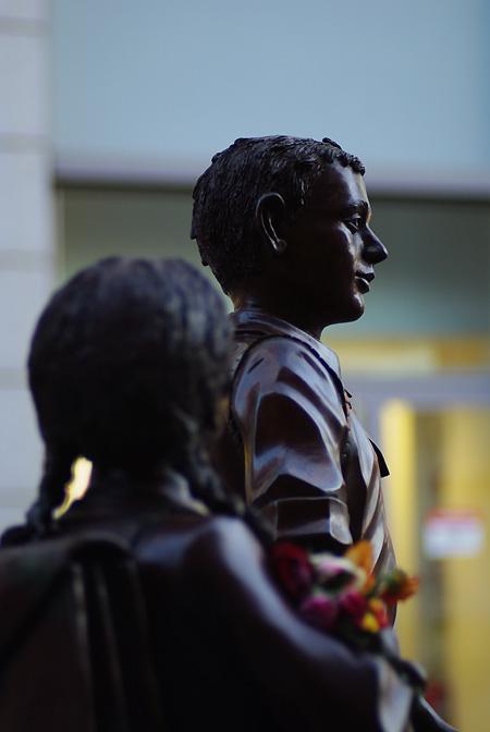 IMGP3906_statue-zuege