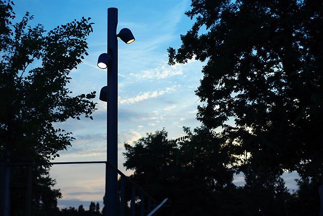 IMGP4792_lampe-gdpark-mit-gelaender