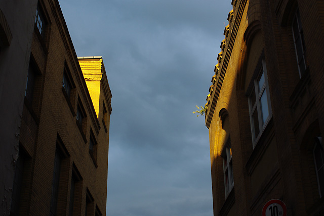 IMGP5570_hinterhof-sonnenecke