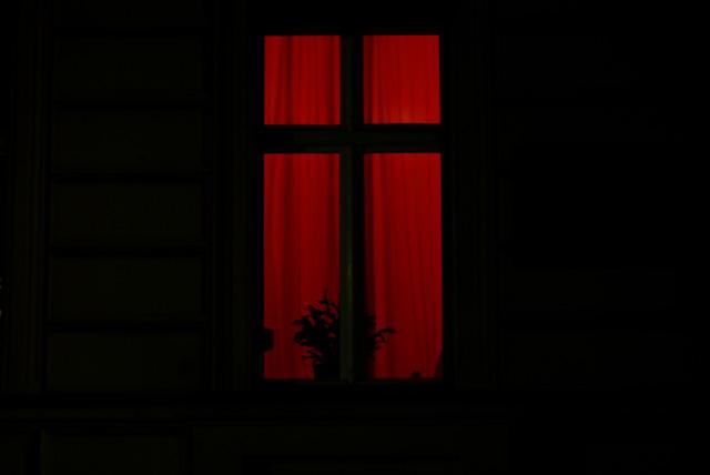 IMGP5758_rotlicht-fenster