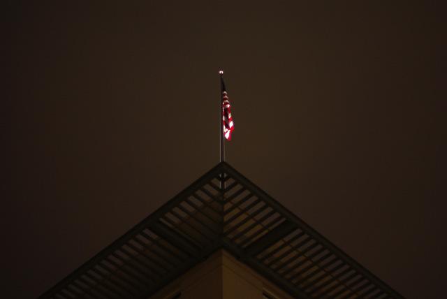 IMGP6393_amerikanische-botschaft-fahne