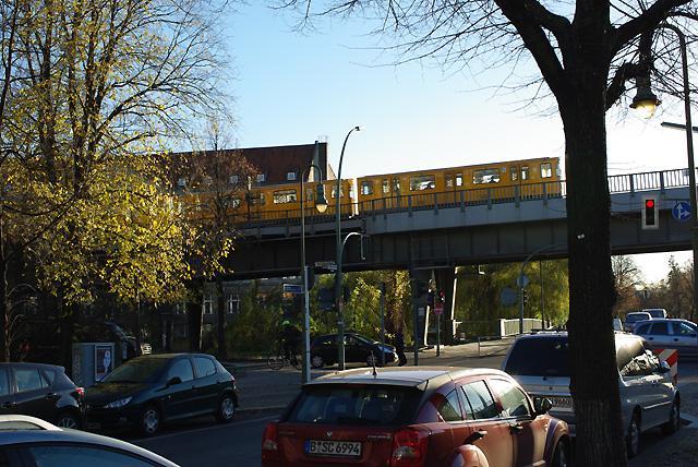 IMGP6812_moeckernstrasse-ubahn