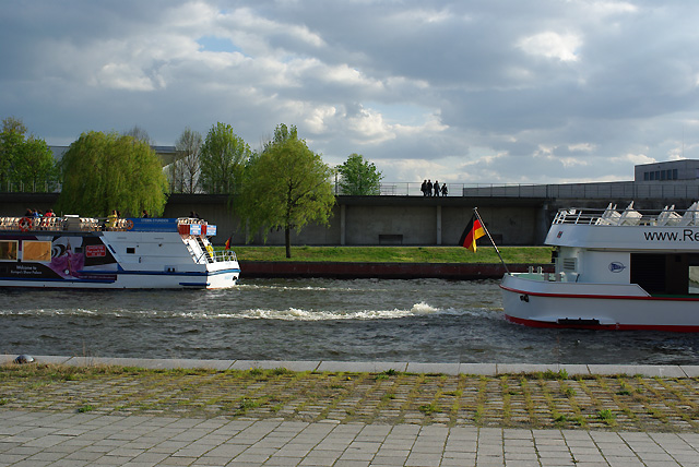 IMGP7996_schiffe-durchfahrt