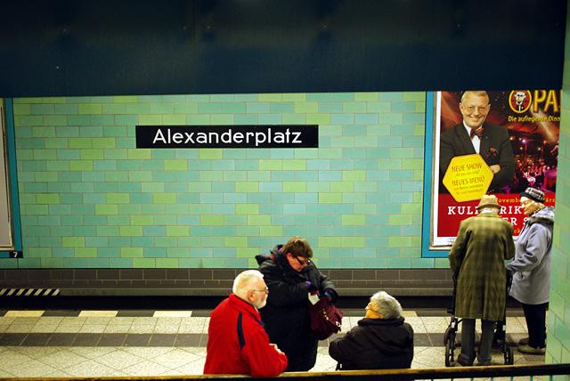 IMGP9376_bahnsteig-alexanderplatz_B