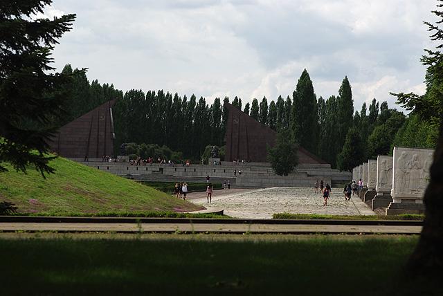 IMGP09997_sowjetisches-ehrenmal