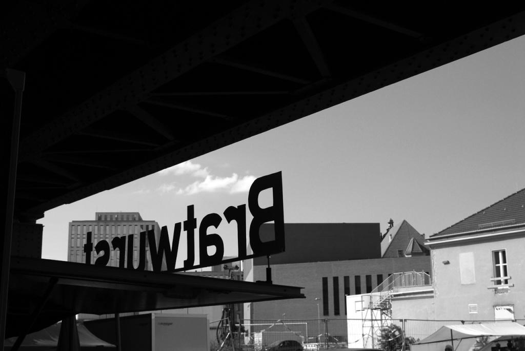 imgp10609_bratwurst-von-hinten_b-sw