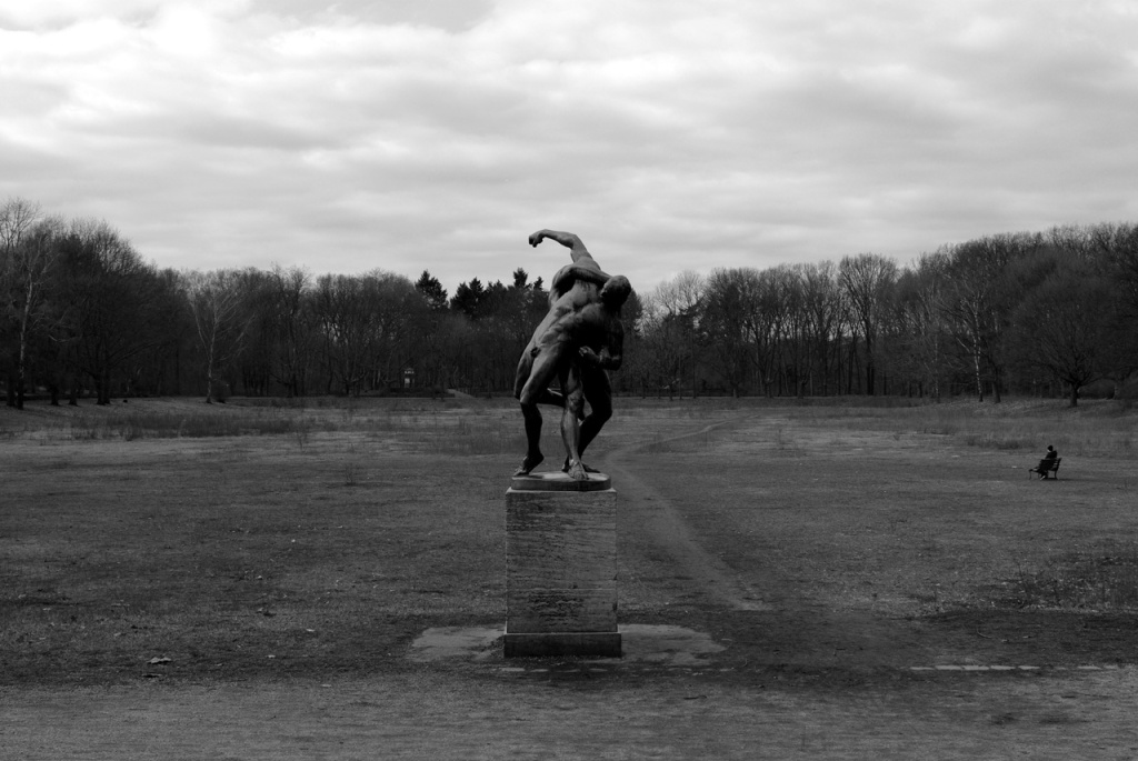 imgp10849_ringer-statue_b-sw